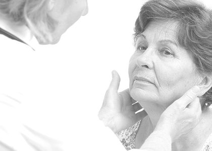 doctor-checking-patients-thyroid-gland_1200x600